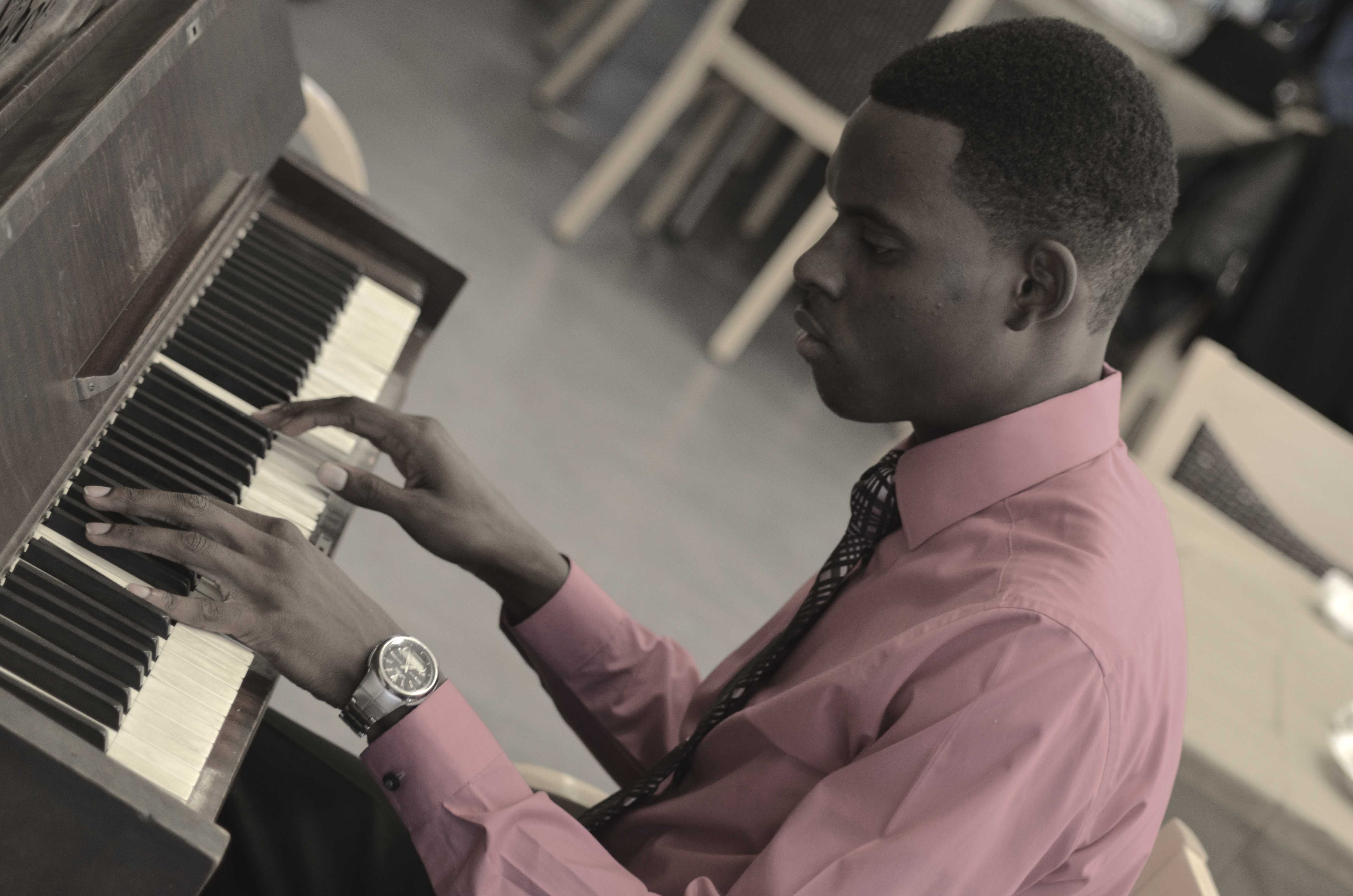 Activity Photography: Serious piano playing